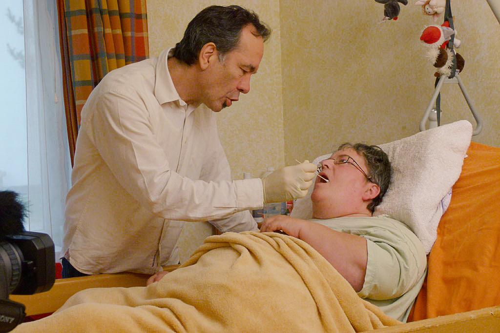 In der Schlucktherapie wird oft mit verschiedenen Geschmacksangeboten, Konsistenzen und Temperaturen gearbeitet.